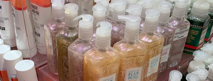 Bath & Body Works is one of Posti che sono piaciuti a Sergio M. 🇲🇽🇧🇷🇱🇷.