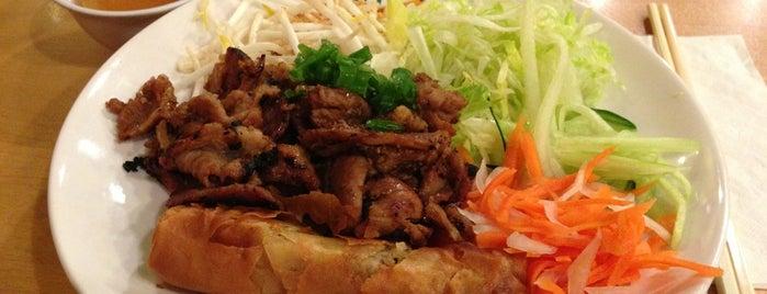 Phở Hòa & Jazen Tea is one of สถานที่ที่ Jennifer ถูกใจ.