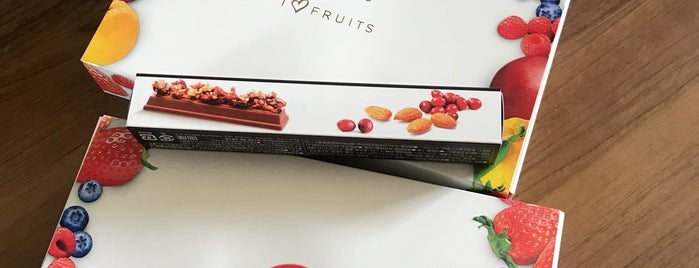 KitKat Chocolatory is one of Kris's Liked Places.