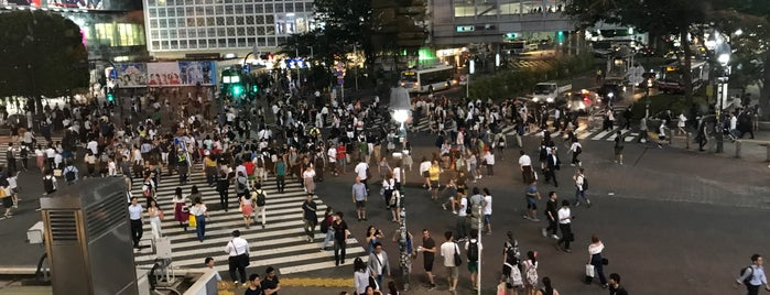 Shibuya Crossing is one of Tempat yang Disukai Kris.