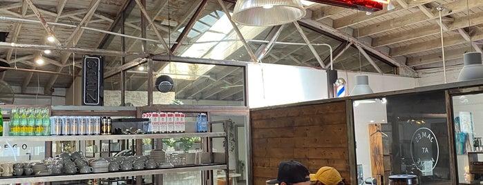 James Coffee Co. is one of Tempat yang Disukai Raquel.