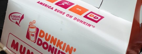 Dunkin' is one of Mariannaさんのお気に入りスポット.