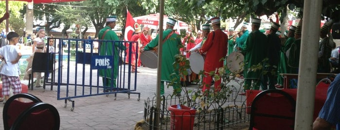 Soma 13 Eylül Kurtuluş Parkı is one of Lugares favoritos de Ahmet.