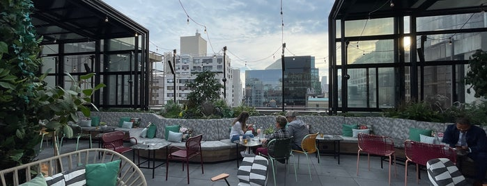 The Ready Rooftop Bar is one of Rooftops.