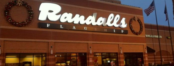 Randalls is one of Lugares favoritos de Harv.