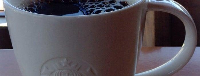 Starbucks is one of สถานที่ที่ Christina ถูกใจ.