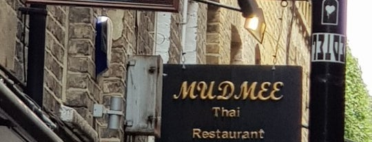 Mudmee Restaurant is one of Posti che sono piaciuti a Honking Walrus.