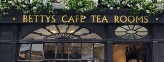 Bettys Café Tea Rooms is one of Posti che sono piaciuti a Geoffrey.