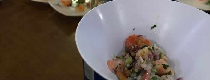 Katori Sushi is one of Locais curtidos por Wesley.
