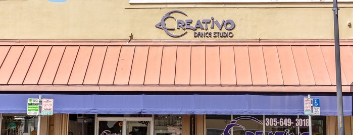 Creativo Dance Studio Wynwood is one of Orte, die Adonis gefallen.