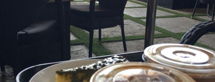 Villa Cafe is one of Riyadh.