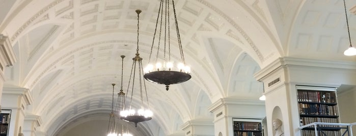 Boston Athenaeum is one of Lugares favoritos de Al.