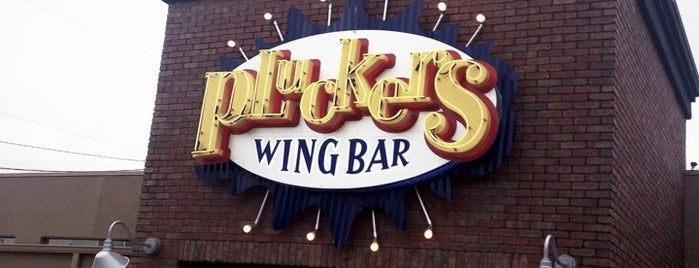 Pluckers Wing Bar is one of Posti che sono piaciuti a Che'.