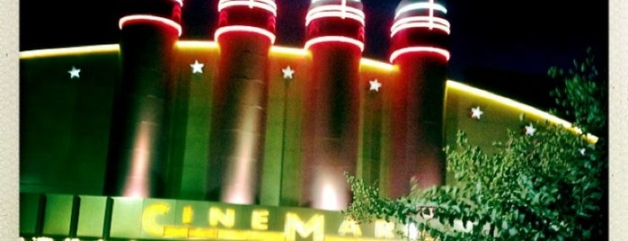 Cinemark 19 And XD is one of Jacqueline'nin Beğendiği Mekanlar.