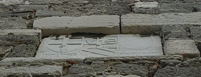 Cenova Kalesi is one of Amasra.