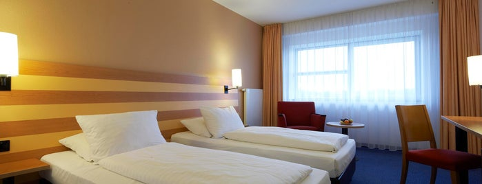 InterCityHotel Frankfurt Airport is one of Tempat yang Disukai Kevin.