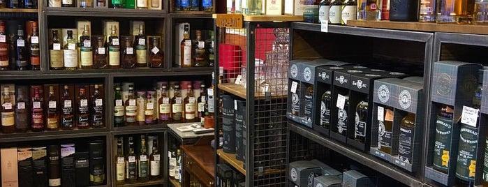Cadenhead's Whisky Shop & Tasting Room is one of Lugares guardados de Ben.