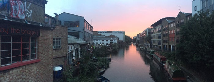 Regent's Canal (Kingsland Road) is one of London.