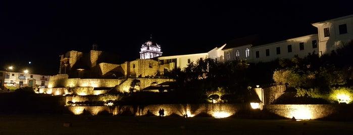 Explanada del Qoricancha is one of สถานที่ที่ Paola ถูกใจ.