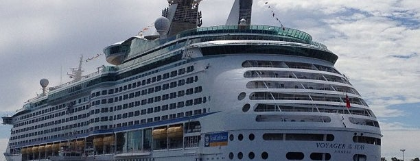 Port Of Fremantle is one of Locais curtidos por Mark.