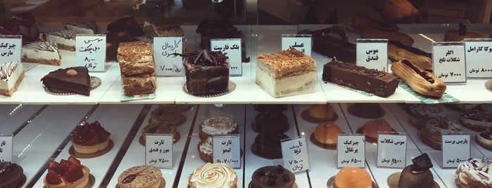 Noon Khameie Pastry Shop is one of mahsa's Saved Places.