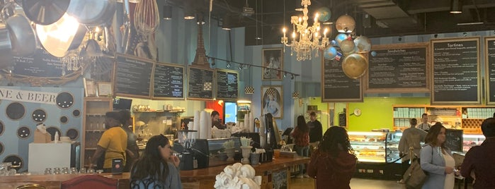 Amelie's French Bakery — Uptown is one of Alexさんの保存済みスポット.