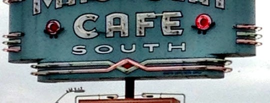 Magnolia Cafe South is one of Austin Food.