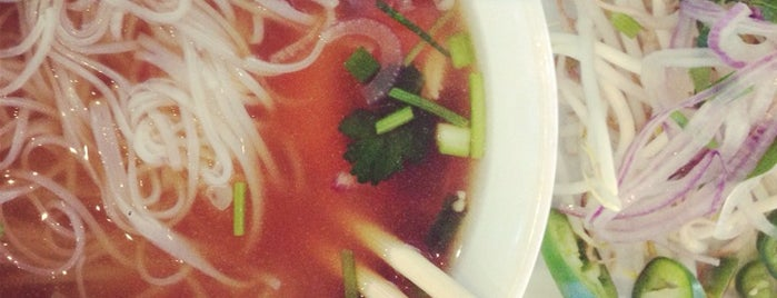 Pho is for Lovers is one of Posti che sono piaciuti a Dean.