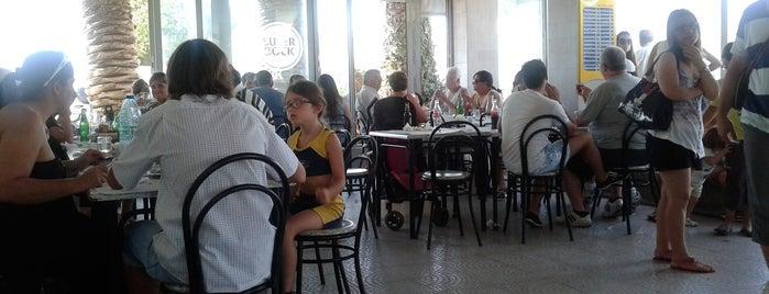 Restaurante Três Palmeiras is one of Restaurantes bons.