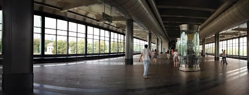 Выставка в метро Воробьевы горы is one of Lara 님이 좋아한 장소.