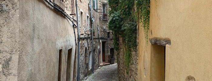 Seillans is one of Les plus beaux villages de France.
