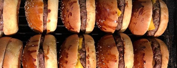 Costela Burgerhouse is one of Orte, die Mahide gefallen.
