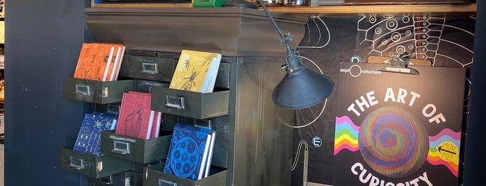 Exploratorium Store is one of Orte, die Omar gefallen.