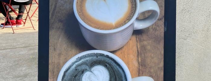 Equator Coffees & Teas is one of Lugares favoritos de Ingrid.
