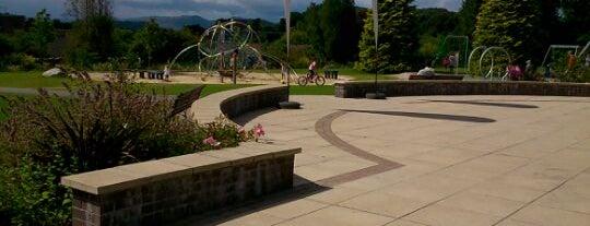 Macrosty Park is one of Orte, die Barry gefallen.