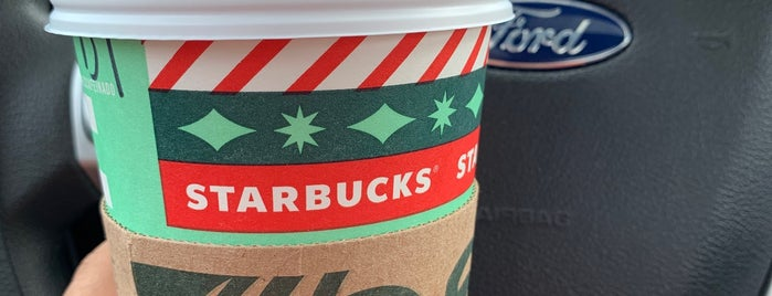 Starbucks is one of สถานที่ที่ Joaquin ถูกใจ.