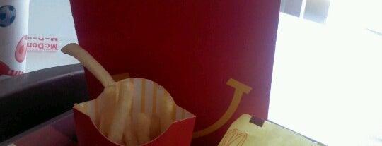 McDonald's is one of Lugares favoritos de Alfredo.