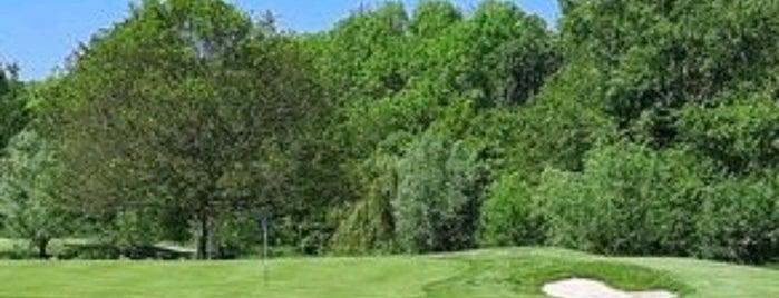 Golfbaan Almeerderhout is one of Almere Poort.