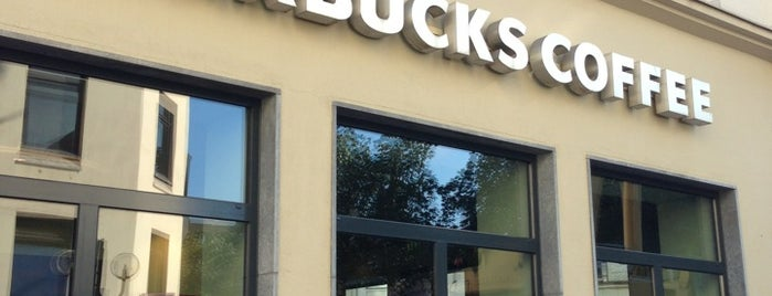 Starbucks is one of Cristina 님이 좋아한 장소.