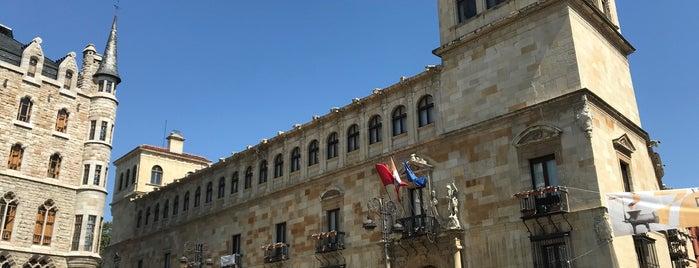 Palacio de los Guzmanes is one of Leon.