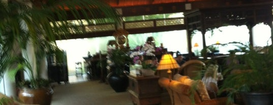 Orchid Court Lounge (Royal Pacific Resort) is one of RESTAURANTS II.