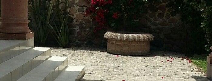 Quinta Alejandra is one of Tempat yang Disukai Ernesto.