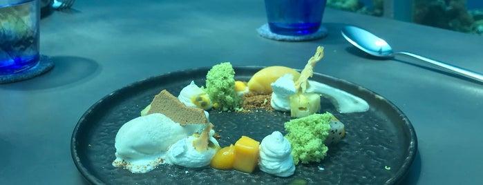 5.8 Undersea Restaurant is one of Locais curtidos por Petter.