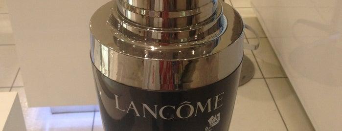Lancome Counter @ Isetan is one of 🔱🌹Nilë🎊Vïvä🌹🔱'ın Beğendiği Mekanlar.