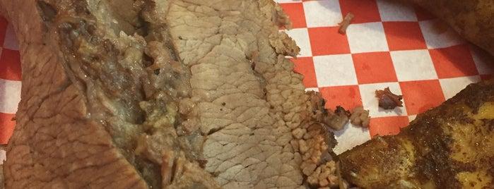 Yinzburgh BBQ is one of Locais salvos de Chad.
