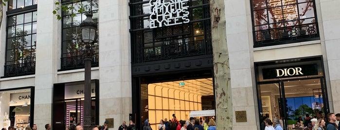 Galeries Lafayette Champs-Élysées is one of V͜͡l͜͡a͜͡d͜͡y͜͡S͜͡l͜͡a͜͡v͜͡a͜͡さんのお気に入りスポット.
