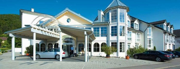 Hotel Traube is one of Orte, die Breck gefallen.
