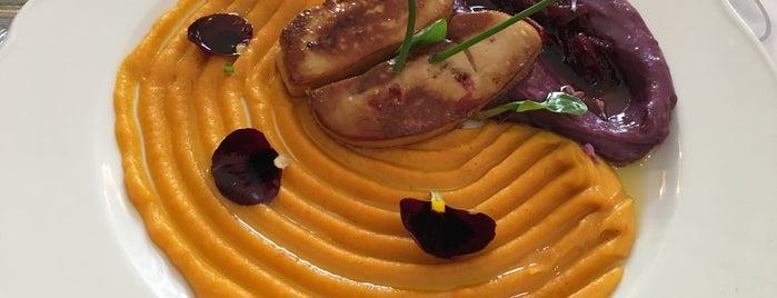 Pura Vida Wine & Dine is one of Balaton.