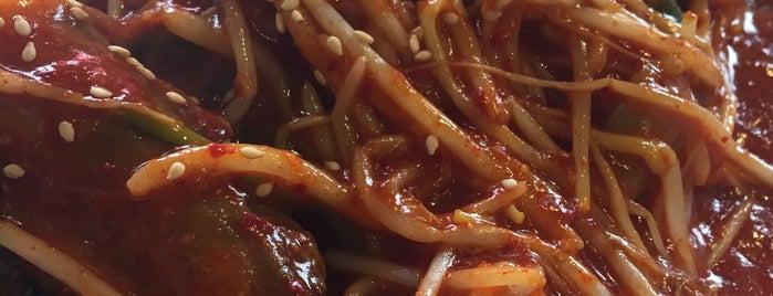 Dae Bok Restaurant is one of Posti che sono piaciuti a Mirinha★.