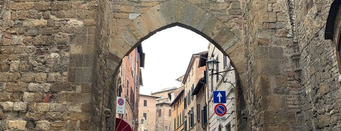 Montepulciano is one of tuscany guide.